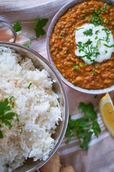 Berglinsen Curry   Mountain Lentil Curry   Rezept auf carointhekitchen.com   #Berg #Linsen #Curry #Dal #Rezept #Mountain #Lentil #Recipe