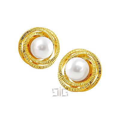 Earrings with Swarovski pearls