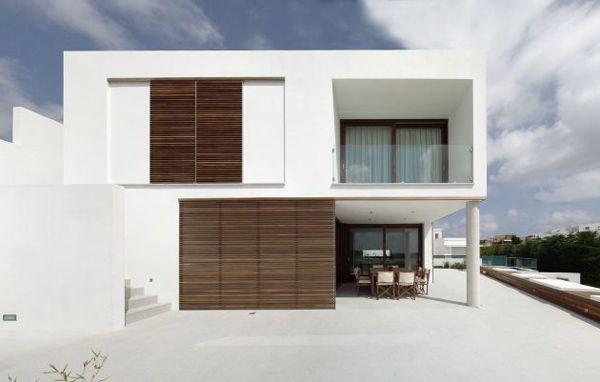 zen-style-home-spanish-seaside-1.jpg