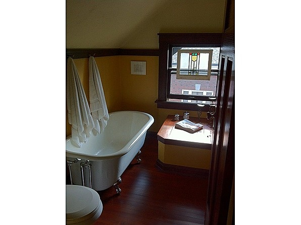 Arts and Crafts Bathroom. 17 Best images about Bungalow Bathrooms on Pinterest   Craftsman
