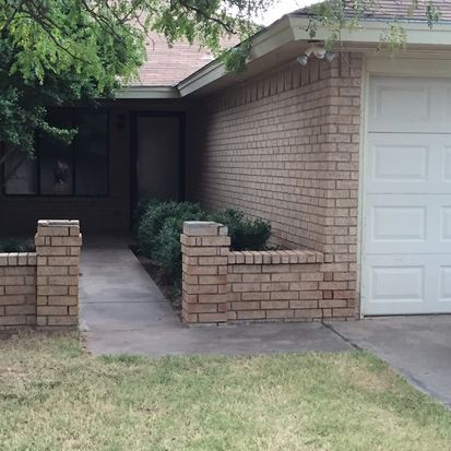 *Appt Tues 4:30* 7505 Akron Ave APT B  *Brenda, very sweet, waiting on application to view* (806) 441-6479 $900 7505 Akron Ave APT B, Lubbock, TX 79423 - Zillow