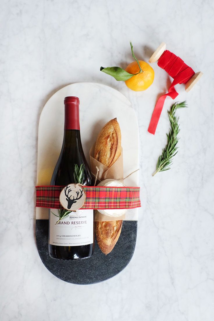 How to Spruce Up Your Wine Gift with @kjwines || Holiday gift idea Under $ 30 - wine, cheeseboard, cheese and baguette!