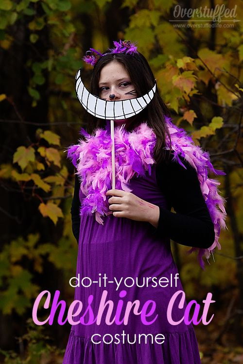 Make a simple Cheshire Cat costume from Alice in Wonderland for Halloween! Easy to put together!