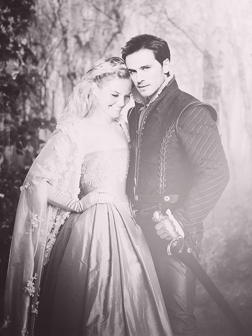 Anyone else realizing Rapunzel was some who didn't know her parents, and had long blonde hair. And that Flynn was a stealing, parentless guy searching for joy in his life. *cough couch* Emma and Hook!