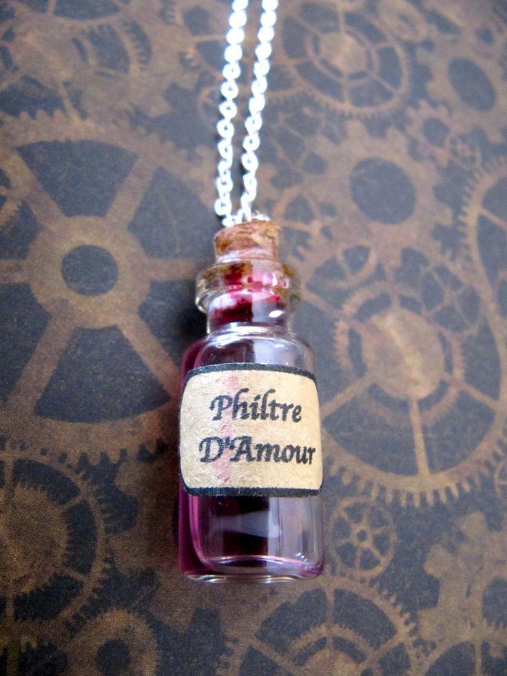 """Collier fiole """"Philtre d'amour"""" : Collier par vanaeris"""