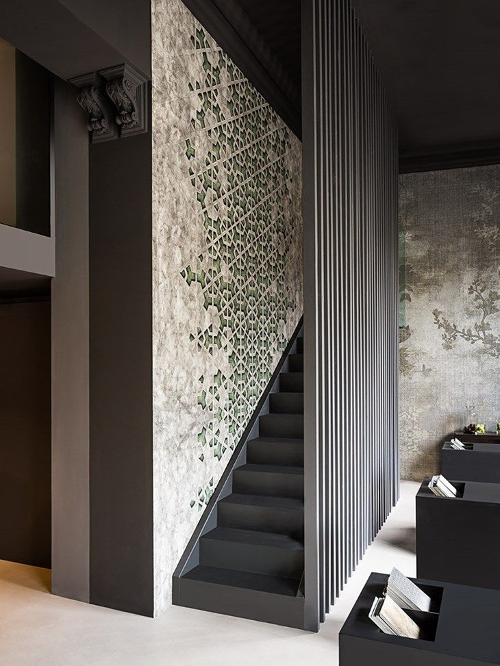 Oltre 1000 idee su scale con carta da parati su pinterest colonne montanti per scale scala e - Idee deco wallpaper volwassene kamer ...
