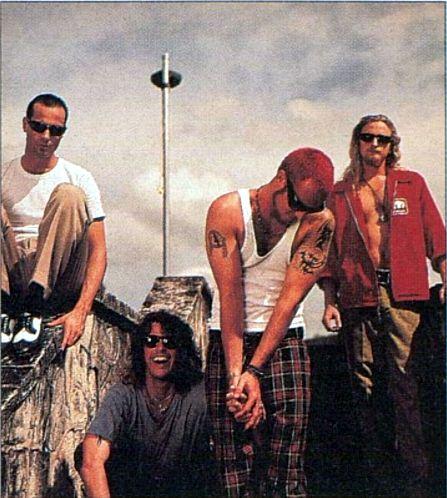 Stone Temple Pilots, 1993. Leia agora os nossos artigos sobre música grunge em http://mundodemusicas.com/category/grunge/