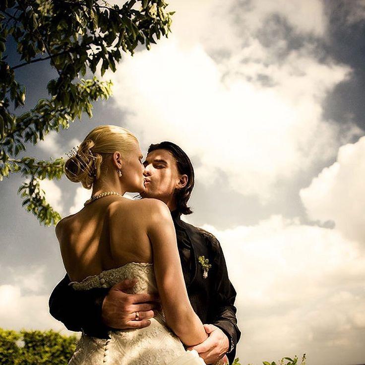 Für die Hochzeitssaison 2017 sind fast alle Termine vergeben. Wer noch einen will schnell anfragen!  #hochzeitsfotograf #frankfurt #hochzeitsfotografie #fotograf #photoshop #hochzeit #braut2017 #heiraten #brautkleid # love #me #instagood #followme #tbt #cute #like #photooftheday #follow #happy #beautiful #girl #wedding #weddingphotographer #luxus #luxury #celebrity #instadaily #smile #nikon #canon #ondro