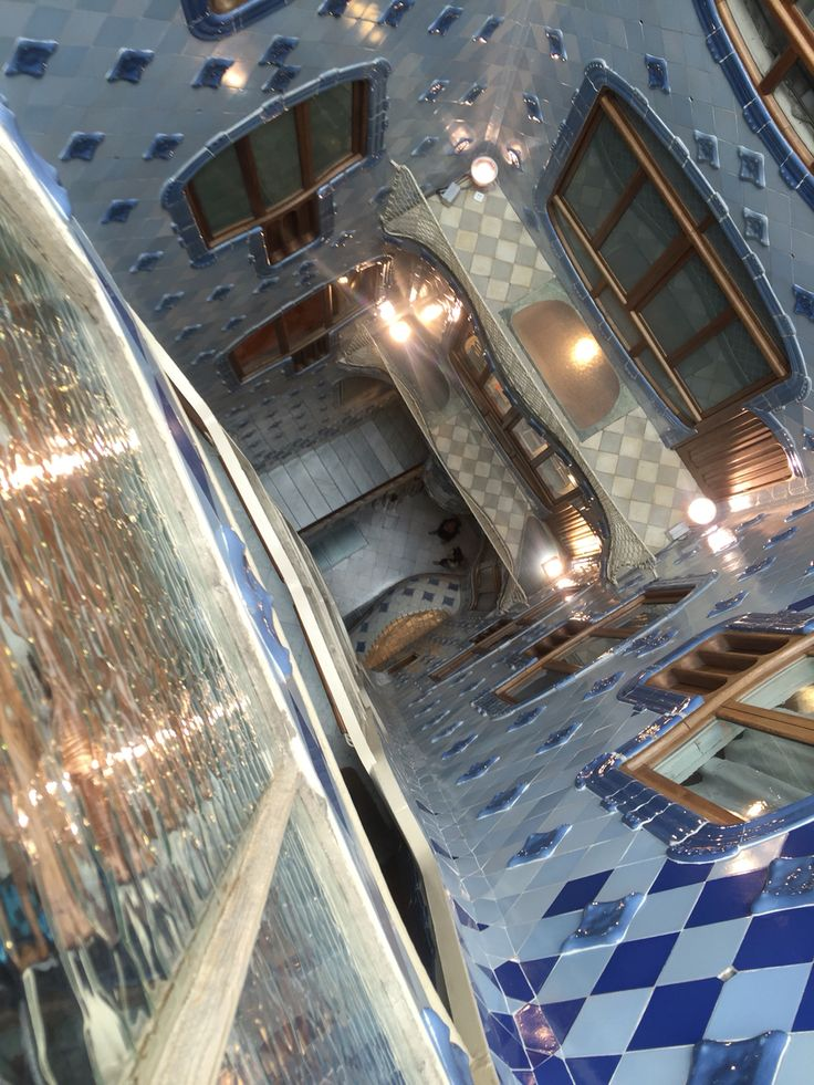 This picture was also taken in Casa Batlló. Here, the architecture by Gaudi is purposely, geniusly, and creatively mastered to resemble an ocean. Gaudi played with the natural sunlight, color of the tiles, and different forms to create the sense of being underwater, or one with the ocean.