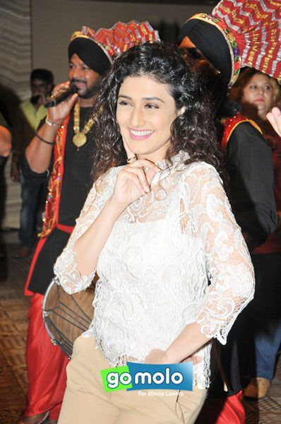 Ragini Khanna at the Premiere of TV show 'Sumit Sambhal Lega' in Mumbai
