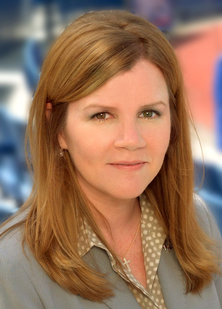 Nyy'xai Female Mare Winningham - Actress (Turner  Hooch).