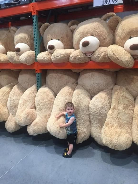 I want that giant teddy bear!