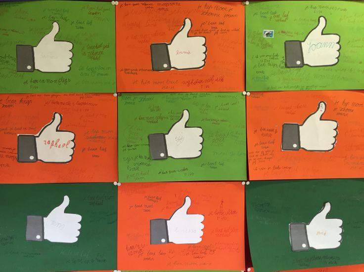 Complimentendag! Alle kinderen knippen een Facebook duim uit en plakken het op een gekleurd vel. Ze schrijven hun eigen naam in het duimpje. Vervolgens gaan de kinderen bij alle andere kinderen een compliment opschrijven. Alleen maar vrolijke en trotse kinderen als ze uiteindelijk hun eigen blad zien vol met lieve en leuke woorden!