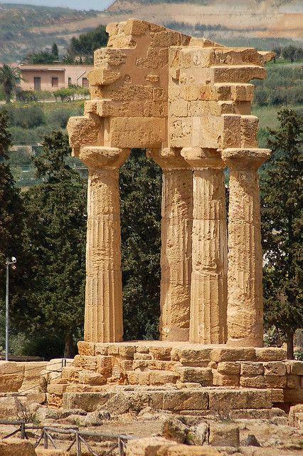 Tempio dei Dioscuri, Agrigento, Sicily, Italy