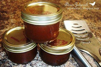 Caramelized Onion BBQ SauceCarmel Onions, Prairie Stories, Carmal Cans Onions, Caramel Onions, Bbq Sauces, Onions Condiments, Sauces Dresses, Onions Bbq, Carmal Onions