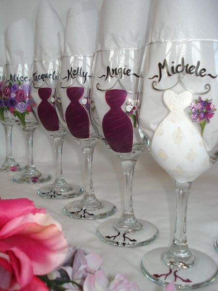personalize wedding party wine glasses