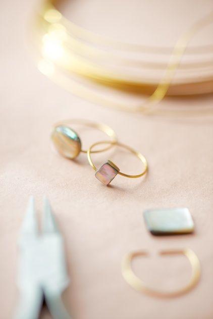 wire ring tutorial by Lebenslustiger.com, Anleitung für einen Drahtring mit Perle - wire, beads & glue