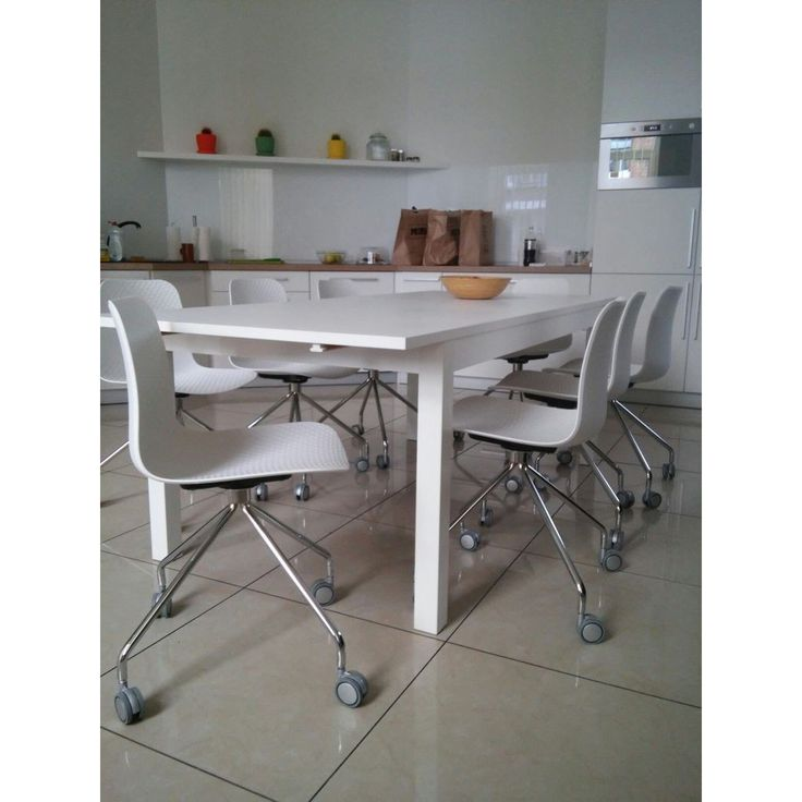 Plastic chair on wheels Velvet Concepto white | Пластиковый обеденный стул на колёсиках Вельвет Concepto #concepto #conceptoukraine #conceptocomua #chair #dining #plastic #white #wheels #horeca #kitchen #livingroom #office #reception #cafe #restaurant #modern