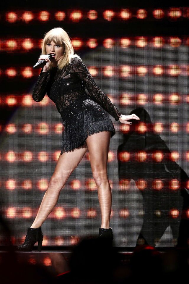 Taylor swift performs i dont wanna live forever