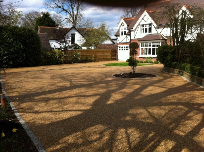 resin bound gravel in sussex laid by oakleigh manor. Black Bedroom Furniture Sets. Home Design Ideas