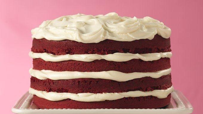 Roter Samt-Torte mit weißem Trüffel Frosting