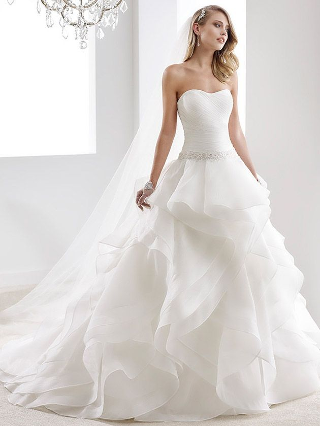 Brautkleider im gehobenen Preissegment | miss solution Bildergalerie - Modell JOAB16428 by NICOLE SPOSE