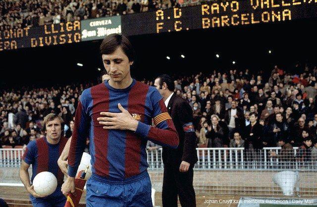AKARPADINEWS.COM  SEPAKBOLA dunia berduka atas wafatnya Johan Cruyff. Legenda sepakbola asal Belanda itu wafat pada Kamis (24/3) di Barcelona, Spanyol. Cruyff tak kuasa bertahan setelah sekian lama berjuang melawan