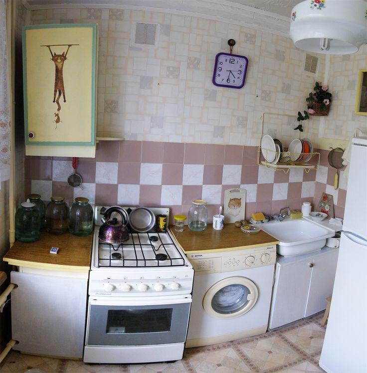 2-комнатная квартира брежневка на 4 этаже в Кировском районе в чистой продаже.