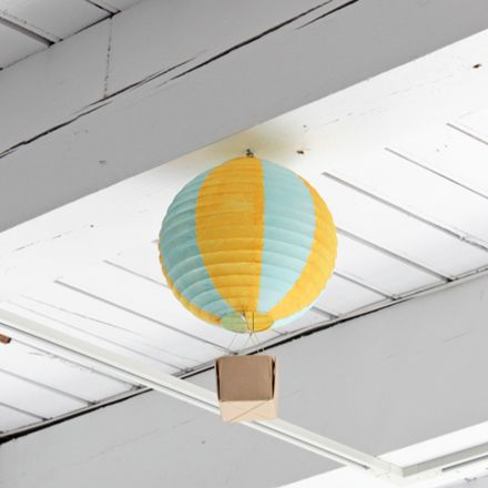 How-to: Hot Air Balloon Party Decorations by HandsOccupied.com