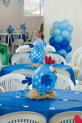 Centros de mesa creativos: Chicken Baby Shower, 266 400 Píxele, Festa Infantil, Parties, Chicken Balloons, Baby Shower Centros De Mesa, Farm Baby Shower Ideas, Freshly Painted Chicken, Baby Shower