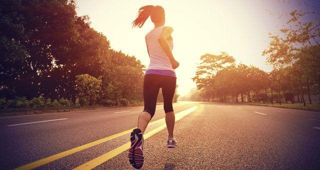 12 secrets des gens qui arrivent à faire du sport tôt le matin - Cosmopolitan.fr