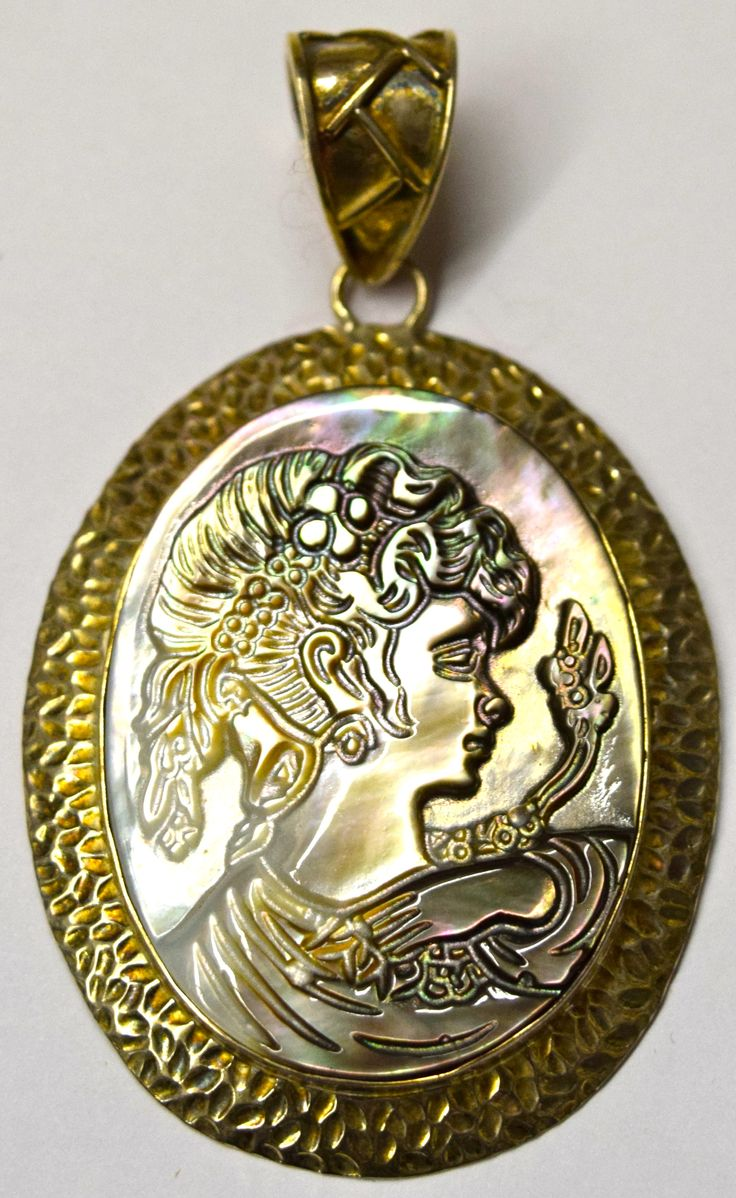 Cameo Mother of Pearl and Silver Pendant