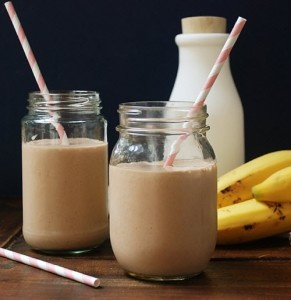 Just had this, DELICIOUS!  Paleo Chocolate Banana Smoothie.  http://www.multiplydelicious.com/thefood/2012/03/chocolate-banana-smoothie/chocobanasmoothie/