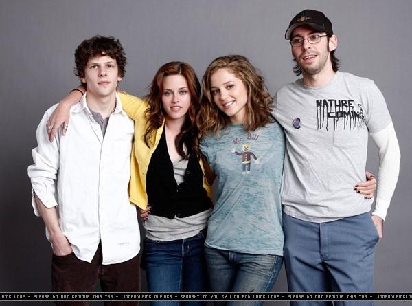 kristen - adventureland cast