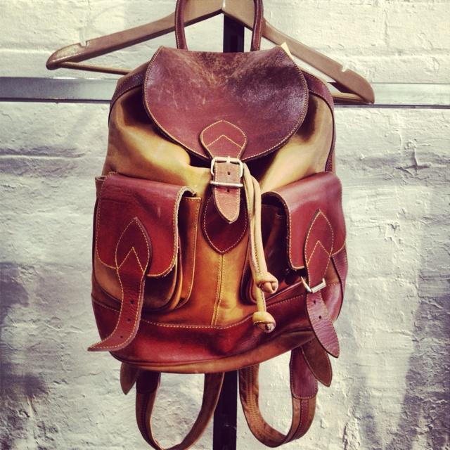 Awesomest leather backpack #90s #vintagebag #leather #backpack