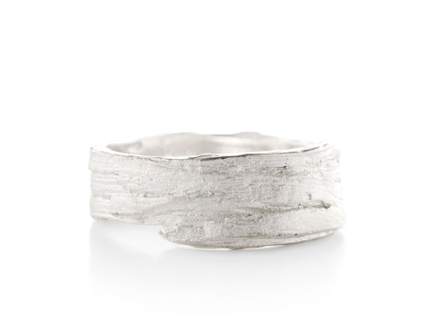 Fabulous Ring with wood structure Buy online
