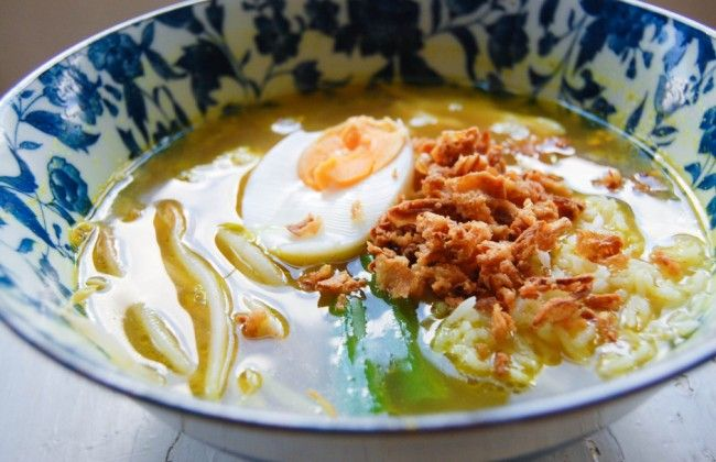 Een van onze favoriete maaltijdsoepen: Indonesische soto ayam
