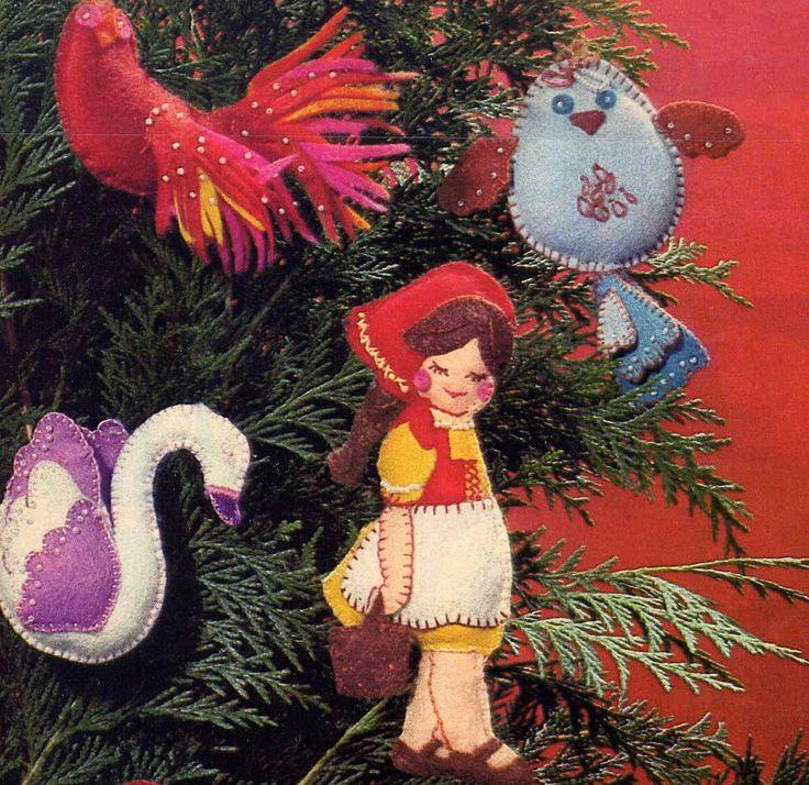 Vintage 70s McCall s Twelve Days of Christmas Beaded Felt