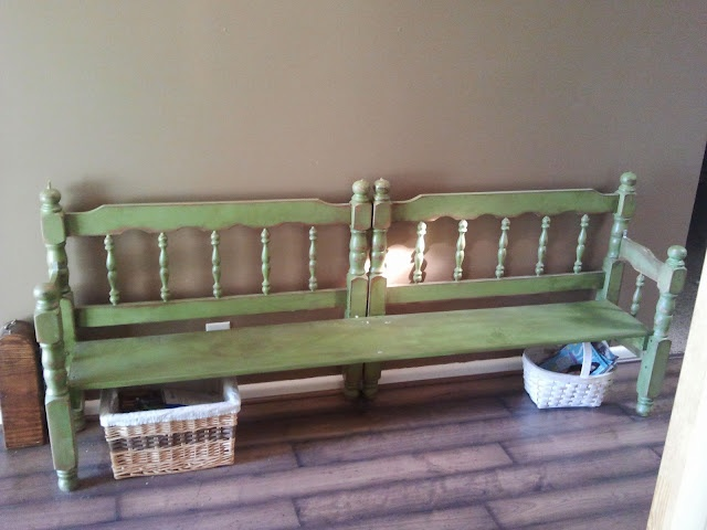 cute bench from old headboards