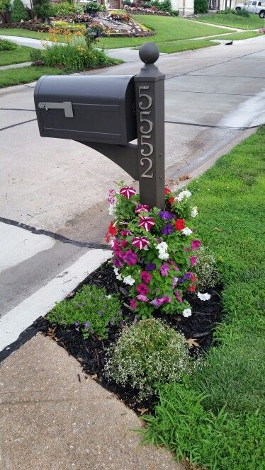 Mailbox Flower Tower With Petunias I Used Corrugated Pipe