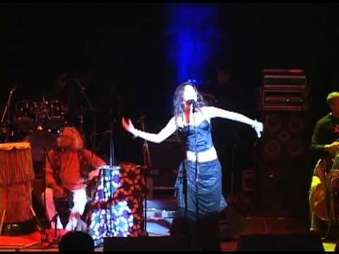 Paula Fernandes, Marcus Viana e Transfônica Orkestra apresentam Maktub