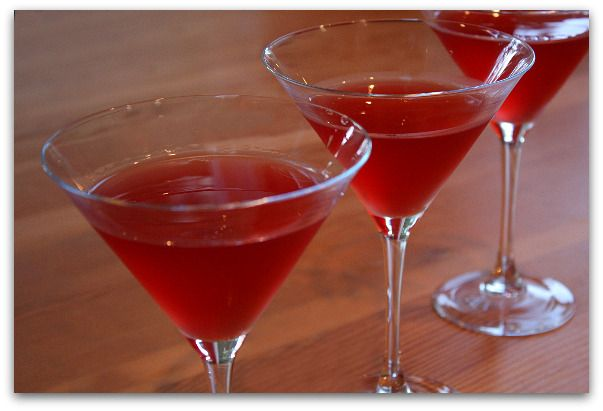 Fall Dinner Party cocktail - Cranberry Amaretto Kisses