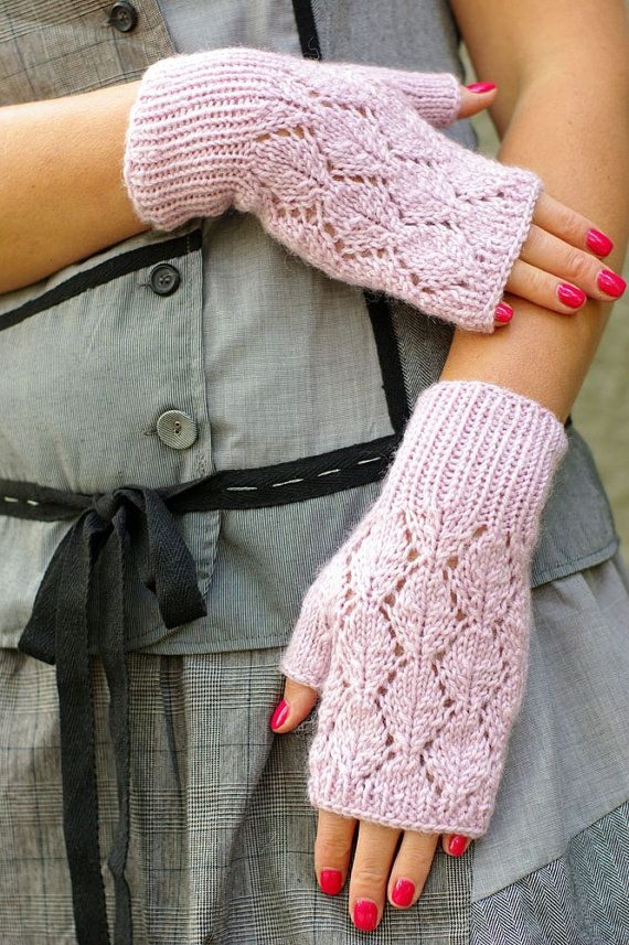 Knit fingerless gloves lace arm warmers. #knit #knitted #gloves #mittens #mitts #women