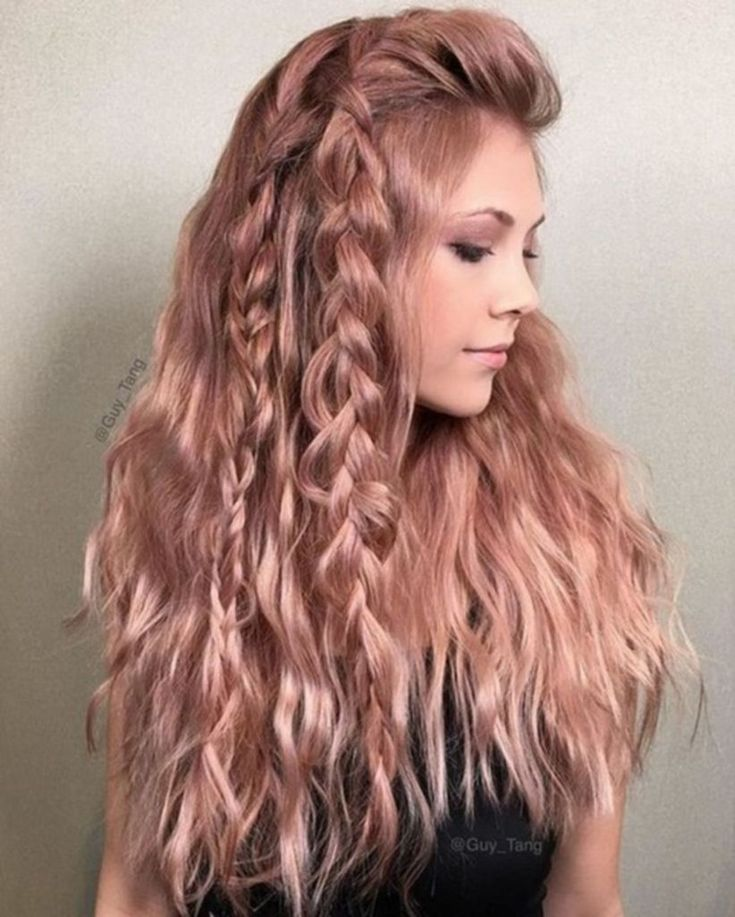 46 Beautiful Rose Gold Hair Color Ideas #Outfit http://seasonoutfit.com/2017/12/28/46-beautiful-rose-gold-hair-color-ideas/