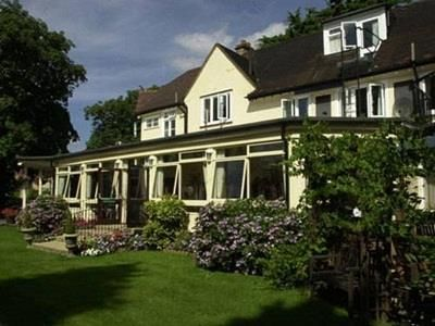 Maidenhead Elva Lodge Hotel United Kingdom, Europe The 3-star Elva Lodge Hotel offers comfort and convenience whether you're on business or holiday in Maidenhead. Featuring a complete list of amenities, guests will find their stay at the property a comfortable one. To be found at the hotel are free Wi-Fi in all rooms, Wi-Fi in public areas, car park, room service, meeting facilities. Each guestroom is elegantly furnished and equipped with handy amenities. Access to the hotel's...