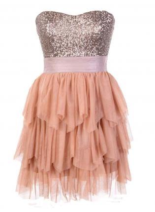 Pretty dress!!