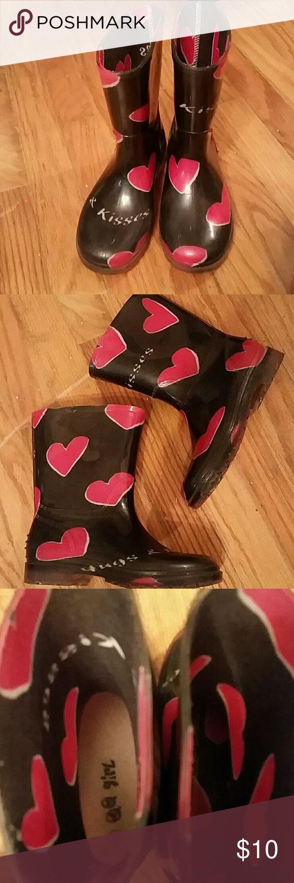 Girls rain boots size 1 Adorable hearts HUGS / KISSES rain boots. Excellent condition. Shoes Rain & Snow Boots