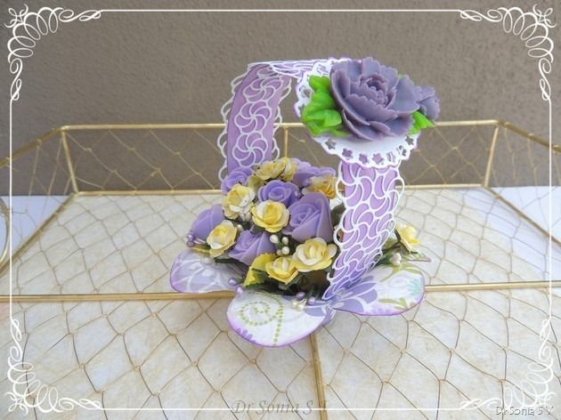 PoppyStamps swirly curl border and Flower Basket tutorial