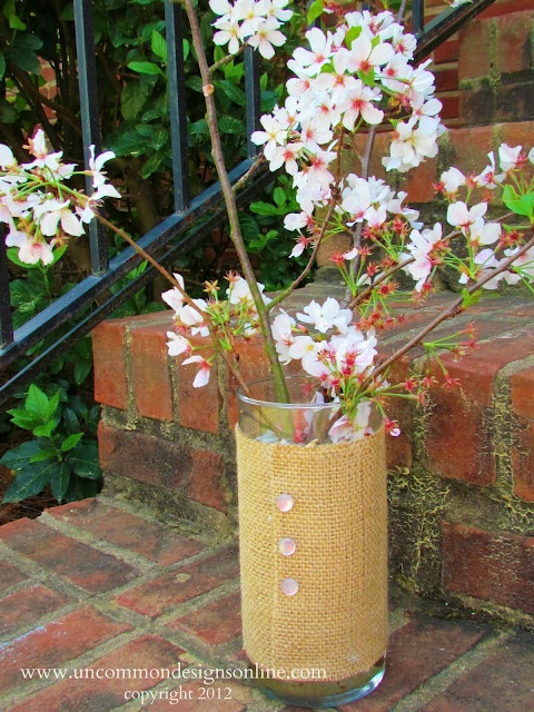 #Burlap Covered #Vase Tutorial { A Quick and Easy Gift Idea } | Uncommon