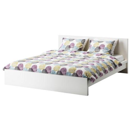 Los laterales de la cama son ajustables
